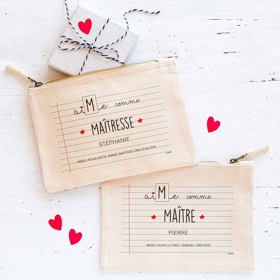 Pochette à offrir : Le petit cadeau idéal, à personnaliser au nom du maître ou de la maîtresse. et avec un message personnel pour lui dire merci