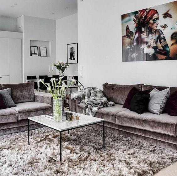 Vitt marmorbord med svart stålram. Marmor, bord, soffbord, svart ...