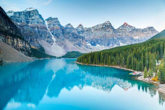 Lago Moraine, Parque nacional Banff de Alberta en Canadá.