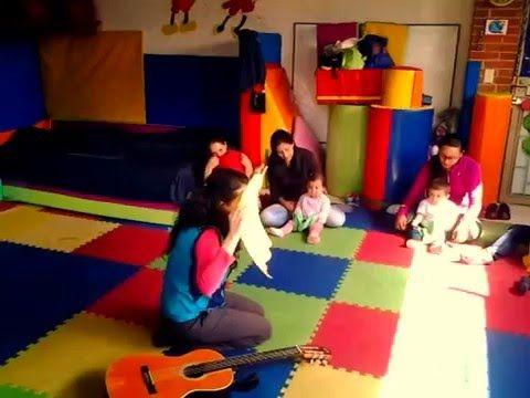 Juego De Pañuelos Para Saludar La Clase De Música Youtube Clase De Musica Musica Para Bebes Centros De Aprendizaje
