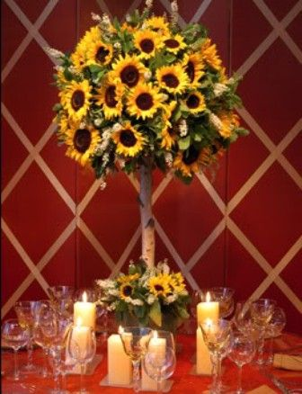 love!: Table Decoration, Floral Design, Wedding Ideas, Sunflower Centerpieces, Sunflower Topiary, Sunflower Wedding Centerpiece, Sunflower Tree, Centerpieces Sunflower