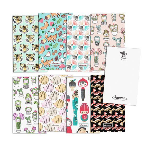 Set de 8 postales para enviar notas bonitas y mensajes de amor.  Medidas: 15cm alto x 9 cm ancho. Papel 300 gr.