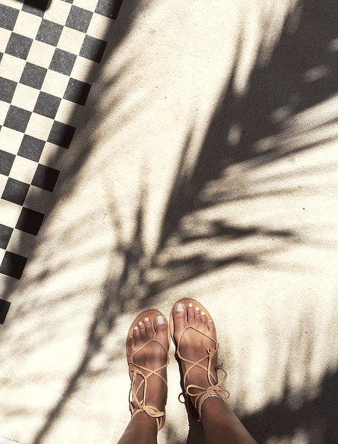 Wanted : une paire de sandales minimalistes à lacets (blog Sincerely Jules)