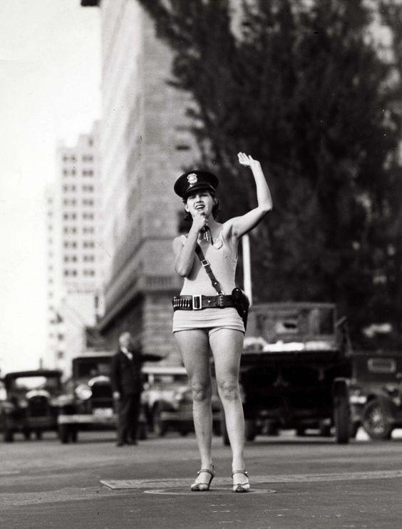 1931: Traffic officer, Miami