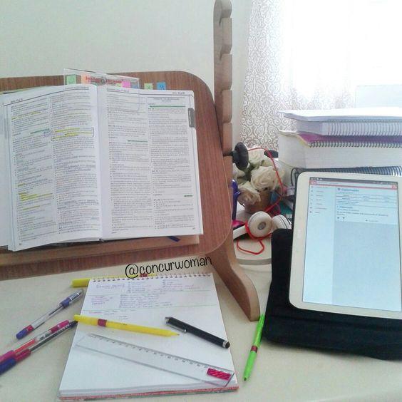 Estudar!  Direito muito amor! *-*