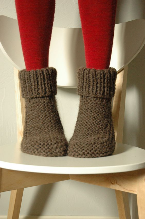 Free Knitting Patterns For Slippers And Socks : slippers. free pattern KNITS Pinterest Getting cozy, Knit socks and Red...