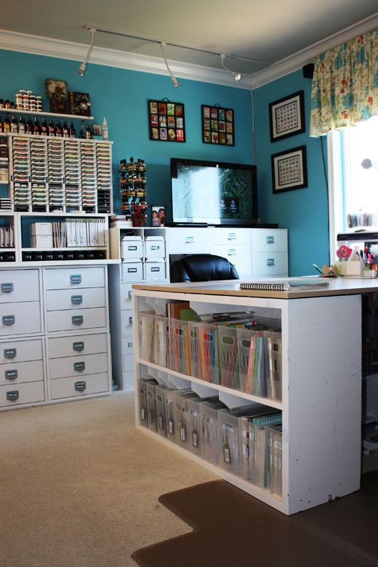 Offices inspiration and scrapbook rooms on pinterest for Bedroom organisation inspiration
