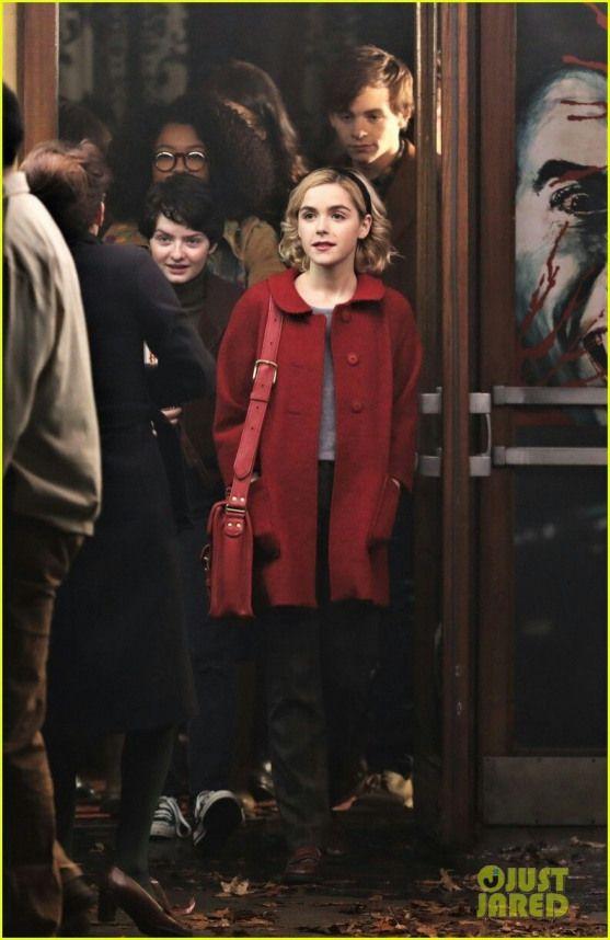 The Chilling Adventures Of Sabrina Tvseries Tv Series For Teenagers Roupas De Filme I Love Cinema Looks