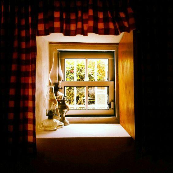 Janela em casa tipica nos Biscoitos,  Açores