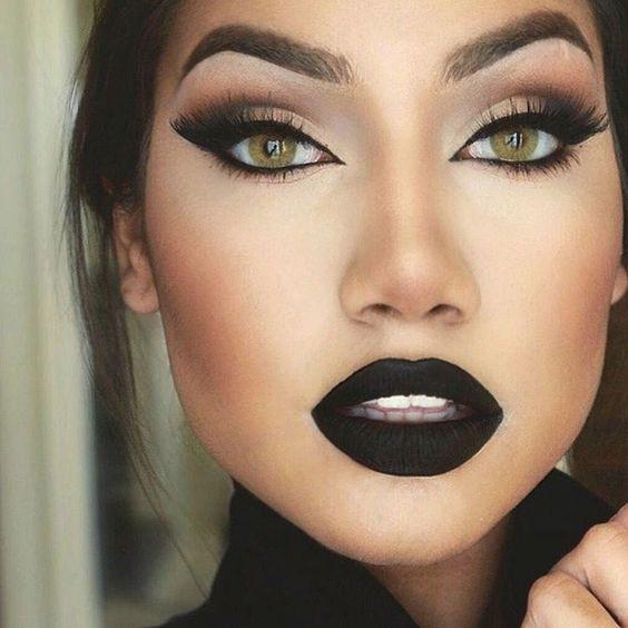 Inspirações de maquiagem com batom preto:
