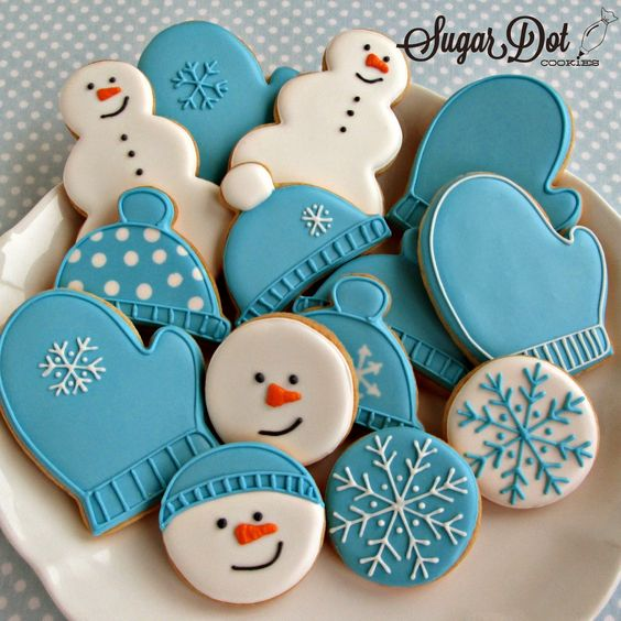 decorating sugar cookies with royal icing | We'll be decorating snowmen, snowflakes, hats, and mittens this month.