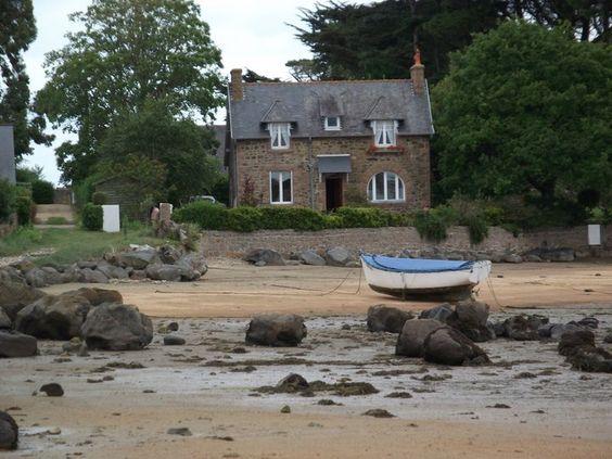 Tregastel, Baie St Anne,   northern Brittany