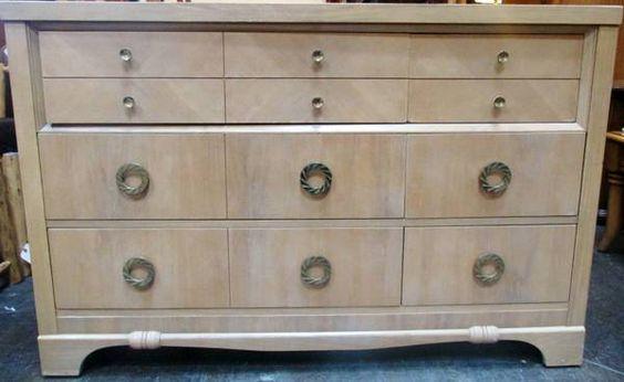 Dresser ** SALE!! ** (* adx)