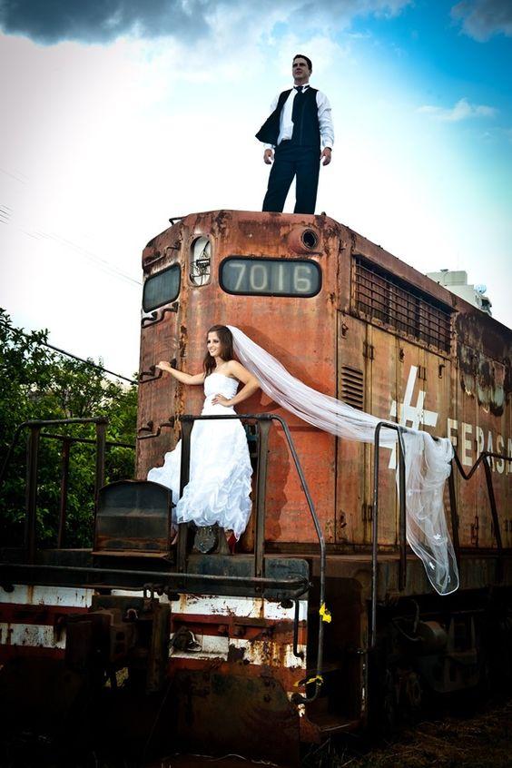 STUDIO LUA - Fotos para casamentos, aniversários, books, trash the dress, gestantes, 15 anos, infantil, pets, making of
