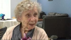 Woman, 99, finally receives her college diploma after 75-year delay | Daily Buzz - Yahoo News Canada