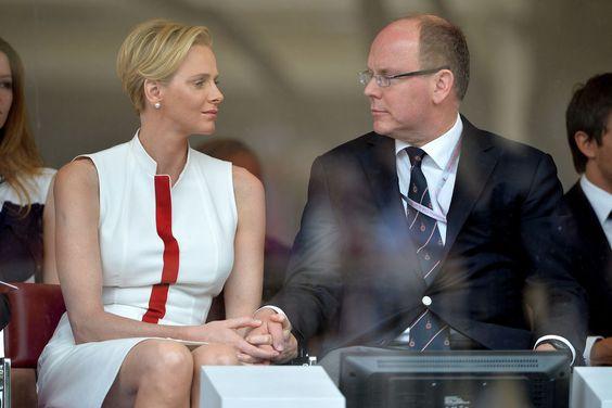 Charlène de Monaco et le prince Albert II lors du grand prix de Formule 1 à…