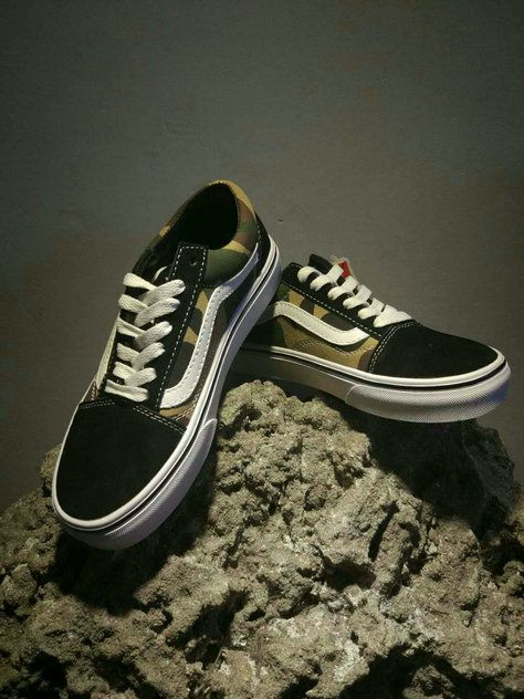 a6ff381c745 Vans Classic Old Skool OG05 Army Green Black Skate Shoe Vans For Sale  Vans
