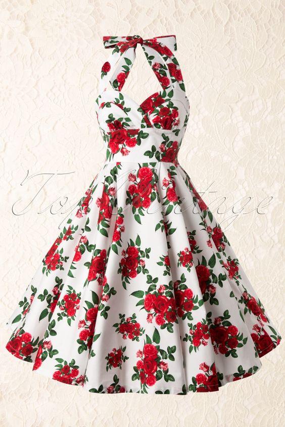 De typische jaren 50 jurken, die gedragen worden met een petticoat om het klokkende model te krijgen, zijn begin jaren 60 zeker nog populair. Het enige substantiële verschil is dat de rok lengte iets korter wordt tot op de knie ( zeker niet korter! ). CC-danseressen moeten waarschijnlijk uitkijken naar een dergelijk model jurk ( maar het liefst wel iets hoger gesloten dan dit ); zwierig als je danst, maar nog 'conservatief' genoeg om geen aanstoot te vinden bij Velma.