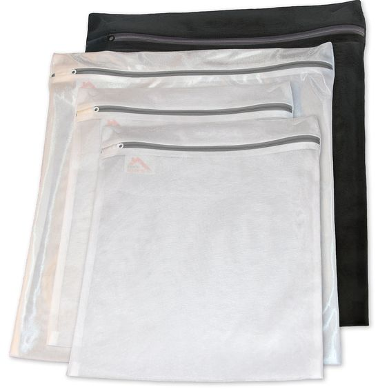 InsideSmarts Delicates Laundry Wash Bag Set of 4 (2 Medium & 2 Large Bags)