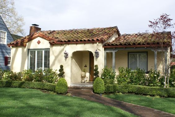 Bungalows Spanish Bungalow And Roses Garden On Pinterest