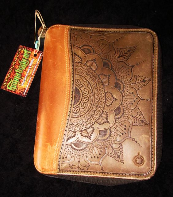 Franklin Quest Leather Planner Cover hand burned by Behennaed