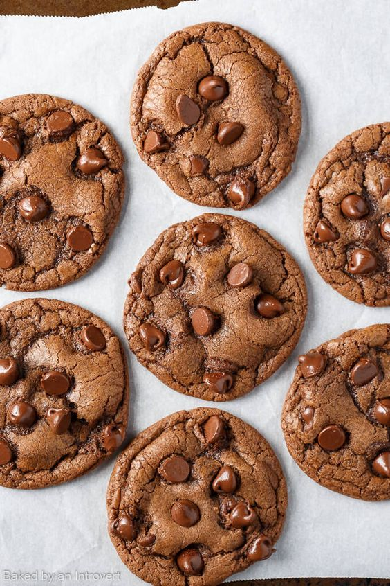 Chip cookies, Ferrero rocher and Cookies on Pinterest