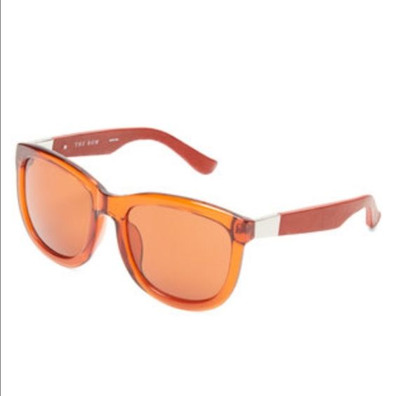 ‼️final‼️NWT The Row sunglasses The Row acetate wayfarer frame in terracotta.  See description above.  Brand new still in package.  Includes case.  Retails $455 The Row Accessories Sunglasses