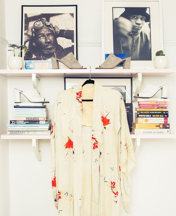 Kimono & perfect slides.:   MONDAY INSPIRATION: Décor from the 60's that inspire us da55eaff9a5bf750c8ed19eaf3c9dcb5