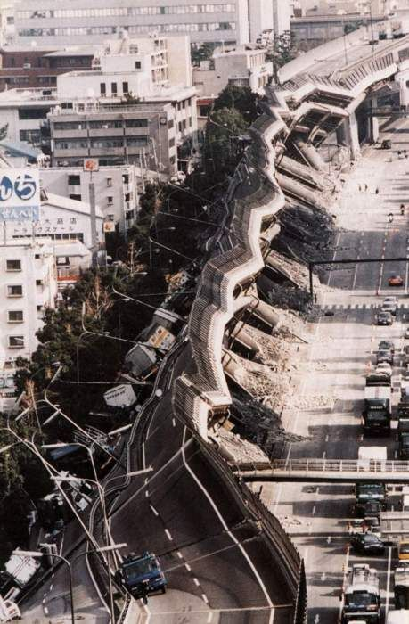 Reminds me of the 1989 loma prietta quake, the cypress freeway in Oakland.