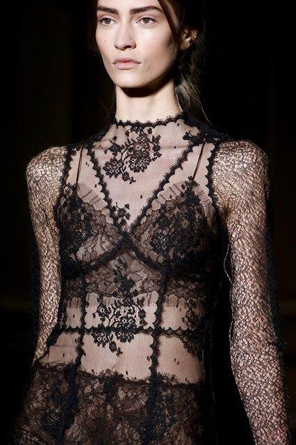 aclockworkpink:    Valentino F/W 2013, Couture
