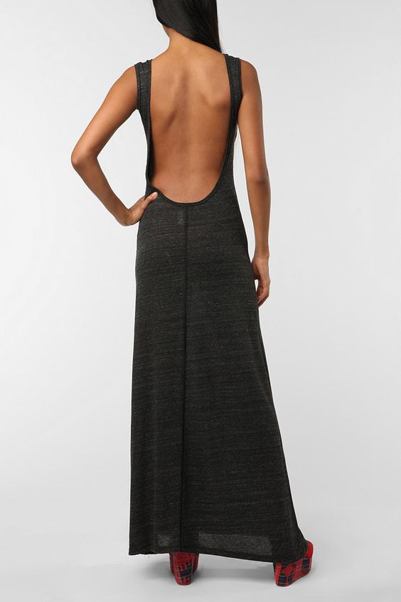 You have to have a killer back to pull this off. LOOVVEEE ITT! Simple and sexy without being over the top.