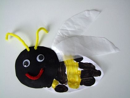 Summer Bee Crafts For Kids.      We think this Hand print Bumble Bee craft for kids is super cute! It alway