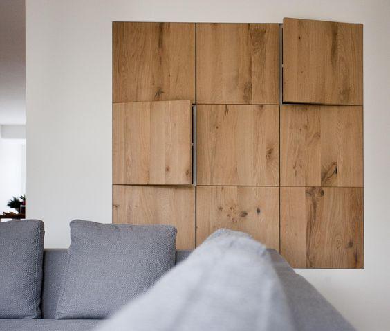 Ontwerp eiken houten kastenwand geplaatst in een mooi strak afgewerkte wand de houten - Kleden houten wand ...