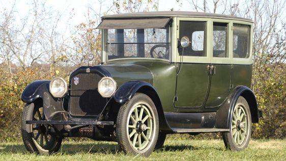1920 Peerless Model 56 Sedan - (Peerless Motor Company Cleveland, Ohio 1900-1931)