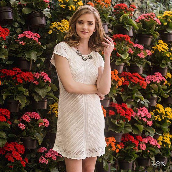 Os ares da primavera estão trazendo peças cada vez mais lindas! Já viram o novo vestido de tricot?