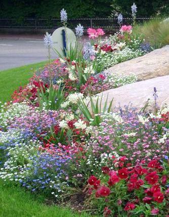 Como hacer canteros de plantas buscar con google for Aspersores de riego para jardin