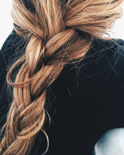 shooting-starsnightskies:  love this hair on We Heart It - http://weheartit.com/entry/234279432: