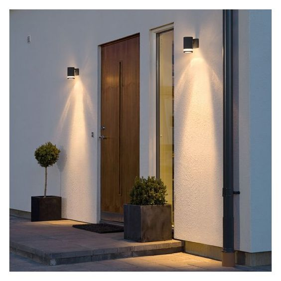 Appliqu s and tags on pinterest for Lampe exterieur facade
