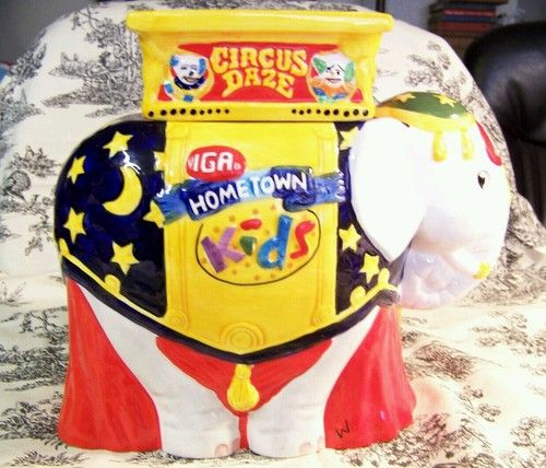 IGA Circus Daze Cookie Jar