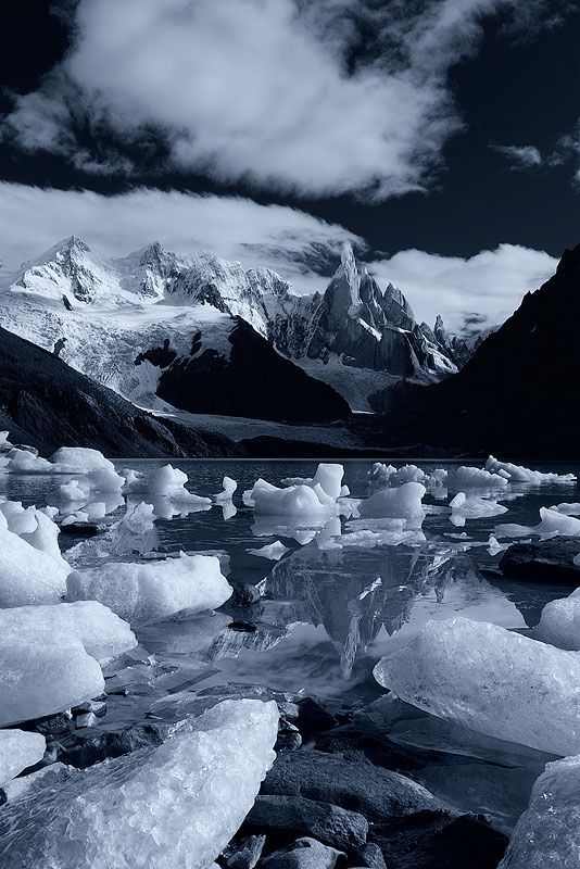 amazing.quenalbertini: Castle of Ice, Los Glaciares National Park, Pata- gonia, Argentina