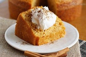Pumpkin Angel Food Cake ~ http://www.julieseatsandtreats.com