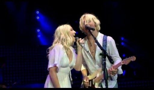 Ross and rydel lynch singing lightning strikes
