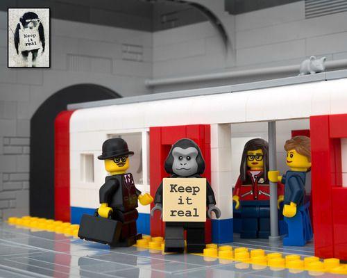 ¿Quieres ver Cómo sería la Fusión de Banksy y LEGO? - Fusión de Banksy y LEGO - Keep It Real