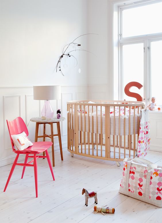 The @STOKKE® Sleepi is a 4-in-1 sleep system that can grow with your child from birth to 10 years old. #babygear #crib