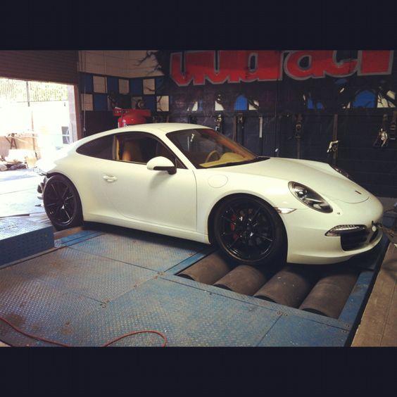 Porsche 991 Carrera dyno testing