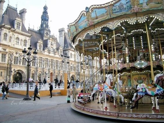 H tel saint paul le marais paris france iv and carousel for Hotel marais paris