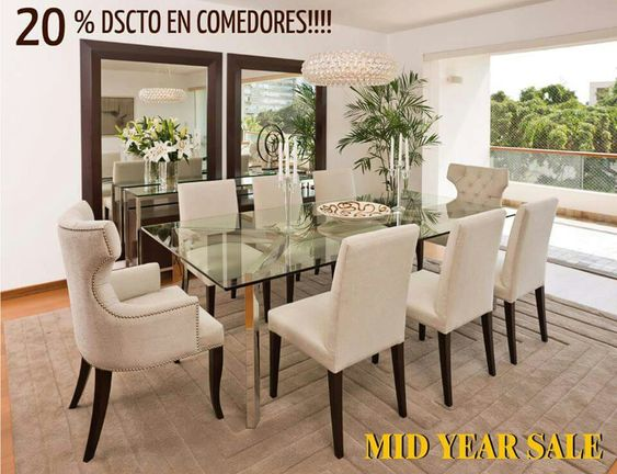 Comedor sillas beige y espejos mesa de vidrio for Comedor de cristal