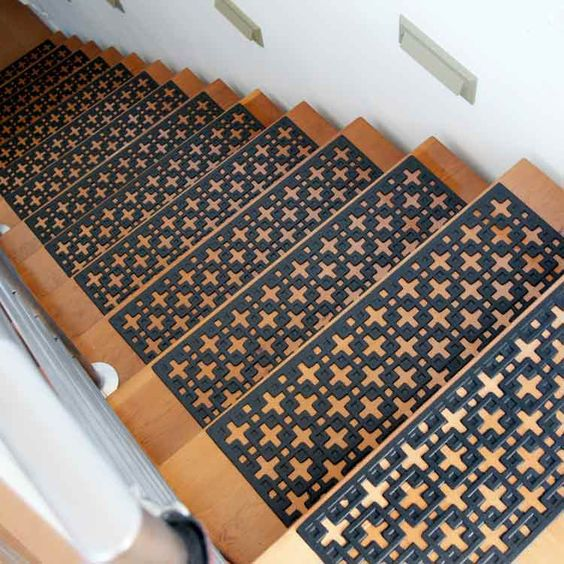 """""""Stars"""" Rubber Stair Treads"""