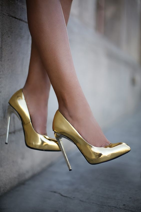 20 Wedding Shoes with Creative Flair | Metallic gold Gold shoes