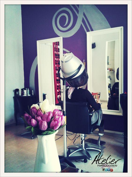 Scatto d'epoca.....una postazione del nostro salone qualche anno fa! Memories of style!!